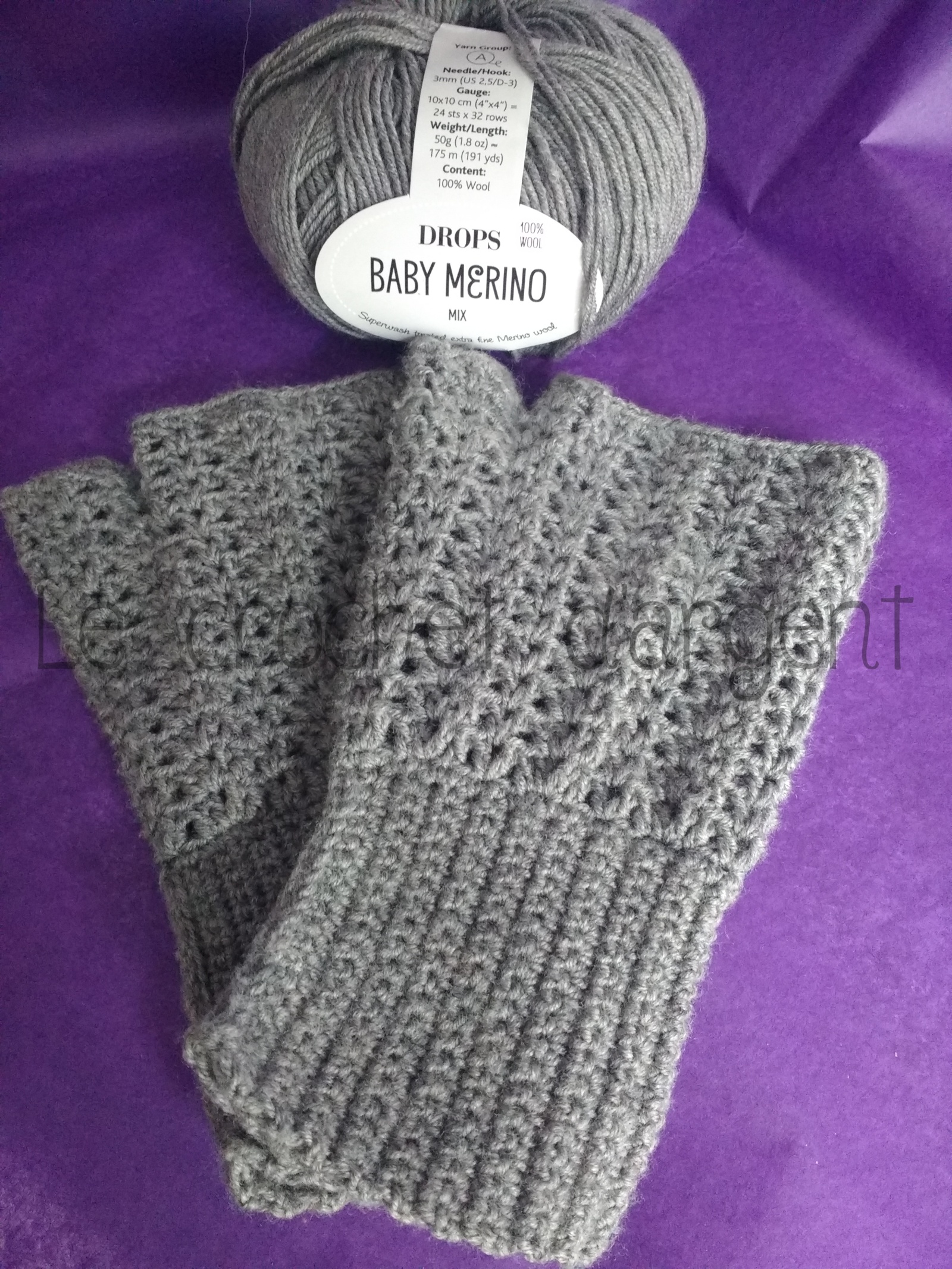 Crochet lace mittens with merino, free pattern